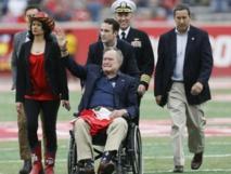 George Bush père hospitalisé pour une pneumonie bénigne