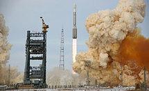 Espace : Tir réussi de la fusée porteuse Proton-M avec le satellite ProtoStar-2