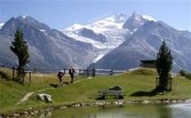La fonte des glaciers des Alpes suisses s'accélère