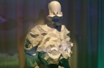Robe en protéine de lait, manteau anti-surveillance: la