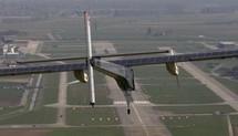 Le vol historique de l'avion Solar Impulse reporté pour problèmes techniques