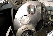 """Six astronautes """"retournent"""" sur Terre, après un voyage simulé sur Mars"""