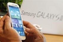 """Un dirigeant de Samsung se dit """"insulté"""" par l'accusation d'Apple de copie"""