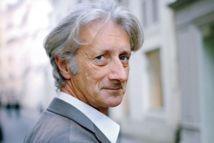 """Le """"Prix des prix"""" littéraires décerné à Patrick Deville"""