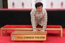 Jackie Chan, premier acteur chinois à déposer ses empreintes à Hollywood