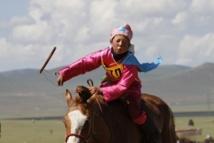 La course infernale des enfants-jockeys de Mongolie, la mort au bout parfois