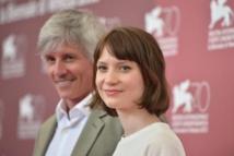 John Curran et Mia Wasikowska
