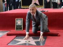 Christoph Waltz inaugure son étoile à Hollywood et clarifie des propos sur Hollande