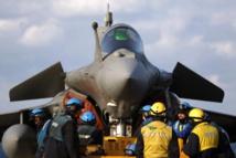 Paris engage son porte-avions Charles de Gaulle contre les Jihadistes