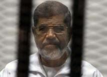 Egypte: l'ex-président islamiste Mohamed Morsi condamné à mort