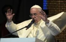 """Le pape dénonce des persécutions """"inhumaines"""" contre les chrétiens d'Orient"""