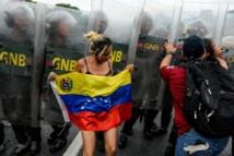 """Venezuela: le Parlement examine """"l'état d'exception"""" sur fond de tensions"""