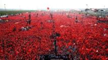 """Istanbul: Près de 5 millions de personnes au meeting """"Démocratie et Hommage aux martyrs"""""""