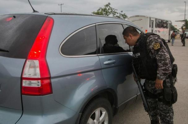 """Mexique: l'enlèvement du fils d'""""El Chapo"""" fait craindre une explosion de violence entre cartels"""