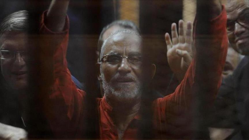 Egypte: Le Guide des Frères musulmans réaffirme son attachement à la légitimité de Morsi