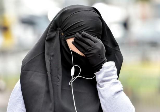 Une coiffeuse jugée en Norvège pour avoir refusé une musulmane voilée