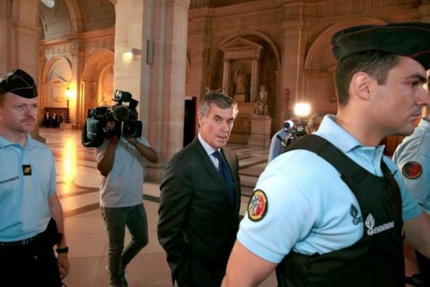 Trois ans de prison ferme requis contre l'ex-ministre Jérôme Cahuzac