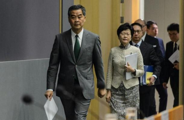 Hong Kong: Pékin interdit à deux députés de siéger au Parlement