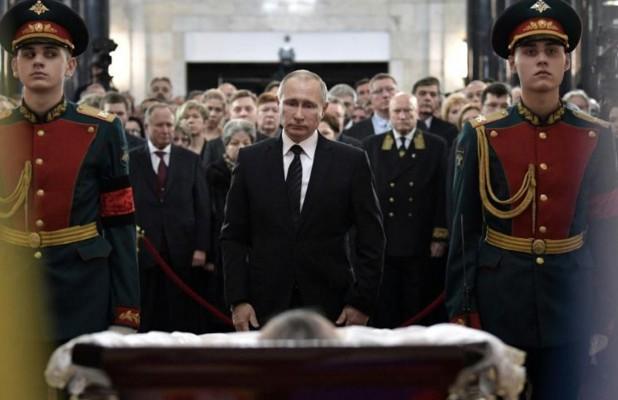 Russie: hommage national à l'ambassadeur assassiné à Ankara