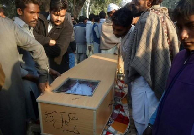 Liqueur de Noël à l'aftershave au Pakistan: 34 morts,