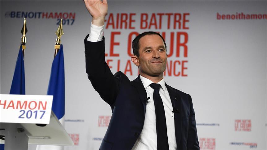 France/ Présidentielle: Hamon assure une nette victoire contre Valls à la primaire de la gauche