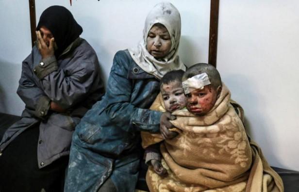 L'armée syrienne bombarde près de Damas avant les négociations