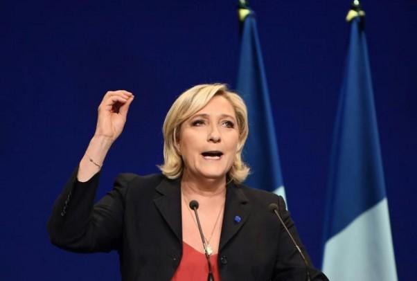 """Le Pen accuse ses adversaires de """"taire"""" le """"problème du terrorisme"""""""