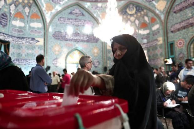 Iran: forte affluence pour la présidentielle cruciale pour Rohani