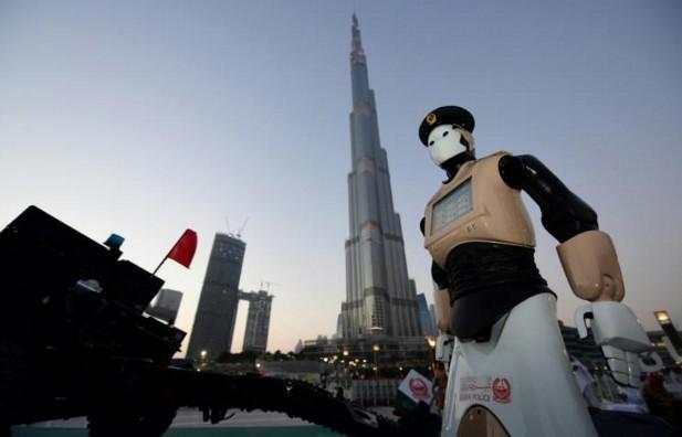 Un premier robot prend du service au sein de la police de Dubaï