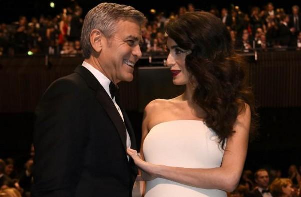George et Amal Clooney accueillent des jumeaux, Ella et Alexander