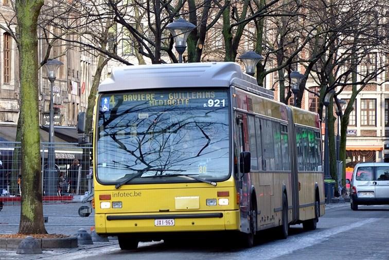 Une dame accouche dans un bus à Liège : Abonnement gratuit pour le nouveau-né jusqu'à sa majorité