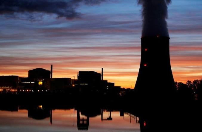 Nucléaire: Greenpeace alerte sur la sécurité du combustible usé