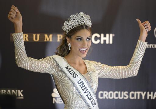 Miss Univers porte un maillot de bain à un million de dollars