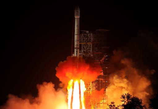 Espace: la Chine a lancé son premier véhicule d'exploration de la lune