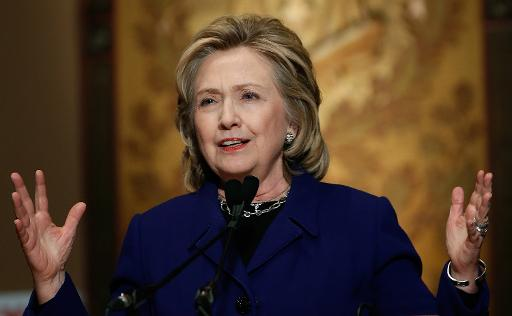 Hillary Clinton part en tournée promotionnelle... électorale