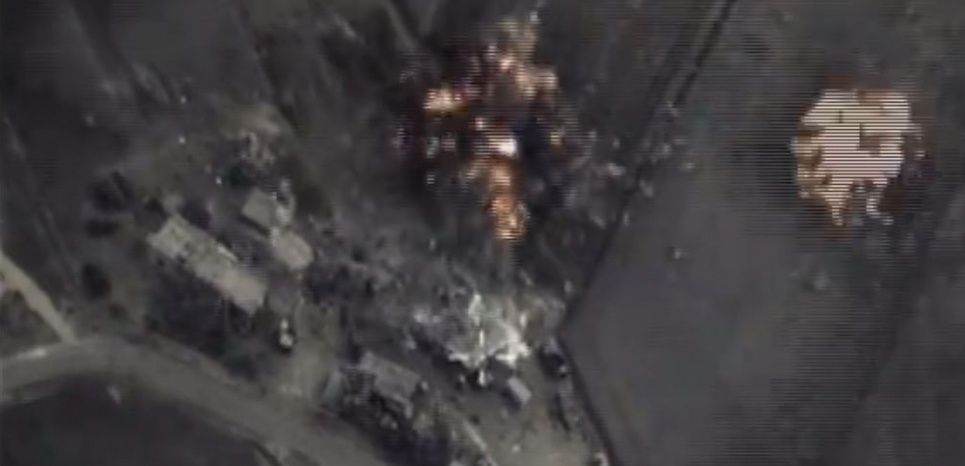 L'armée russe a diffusé des images de ses premières frappes sur le sol syrien mercredi soir.