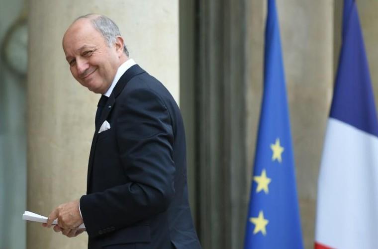 """Espionnage allemand sur Fabius: Hollande veut """"toutes les informations"""""""