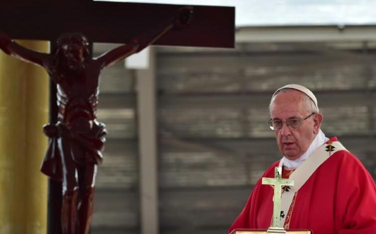 Le pape François honore les martyrs en Ouganda et l'oecuménisme