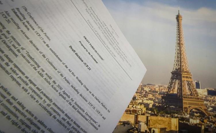 Climat: un accord reporté à samedi après une nuit d'âpres discussions