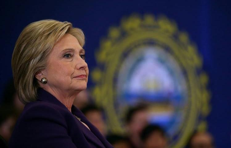 Primaires: Hillary sauve sa campagne, mais devra composer avec Sanders