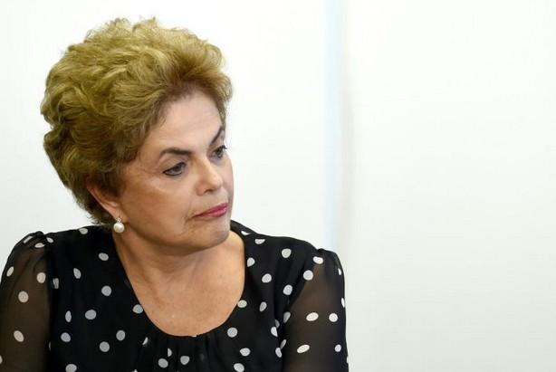 Brésil: Rousseff échoue à bloquer sa procédure de destitution