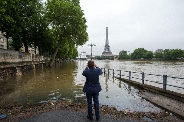 Inondations: la crue de la Seine devrait atteindre 6 mètres à Paris