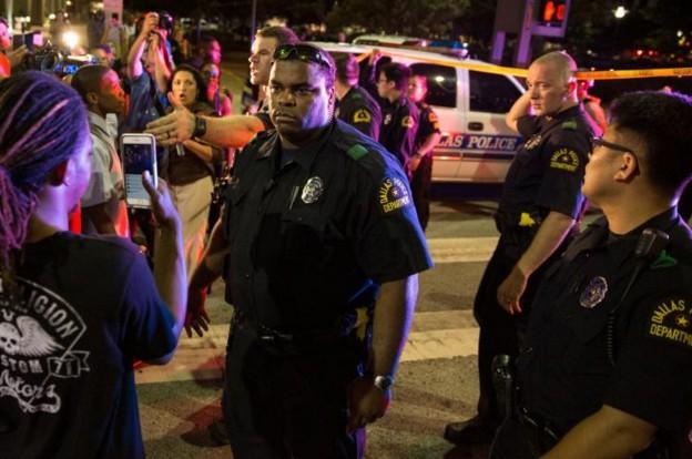 Etats-Unis: un 5e policier tué dans la fusillade à Dallas