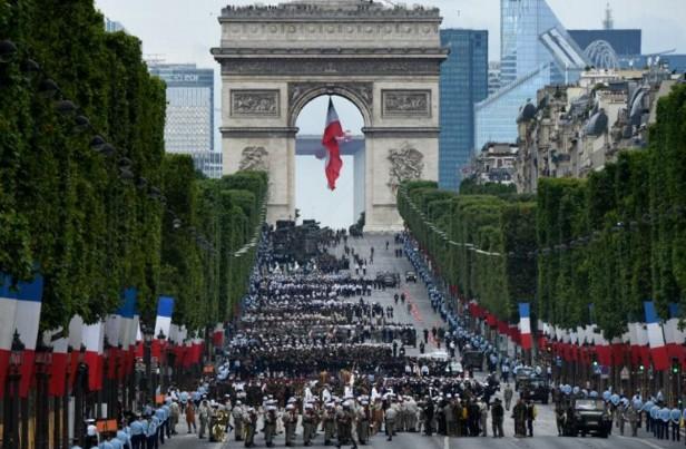 Défilé du 14 juillet: plus de 3.000 militaires sur les Champs Elysées