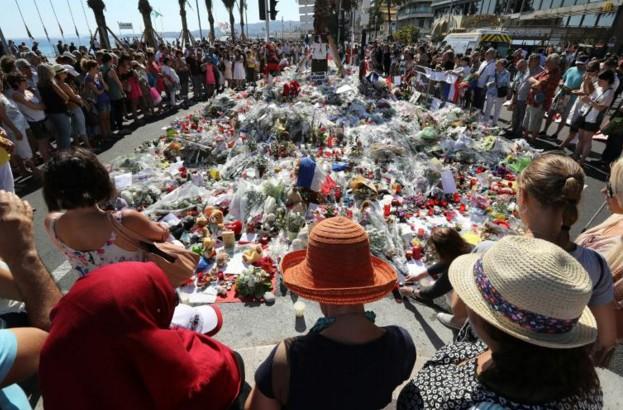 Attentat de Nice: le temps se figera à midi en hommage aux victimes