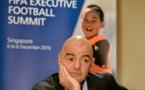 """Abus sexuels dans le foot: Infantino pour une """"tolérance zéro"""""""