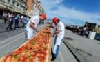 Naples reprend à Milan le record de la plus longue pizza du monde