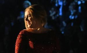 """L'album """"25"""" d'Adele vendu à plus 10 millions d'exemplaires aux Etats-Unis"""