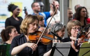 """La France et le monde fêtent la musique, """"la meilleure réponse au terrorisme"""""""