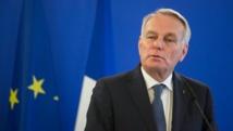 """Ayrault: La polémique sur le burkini """"dégrade l'image"""" de la France"""
